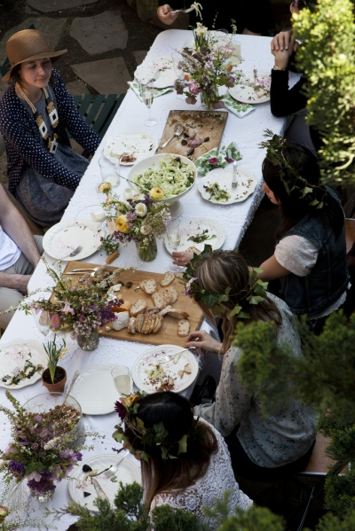 Rustic-Outdoor-Dinner-Party